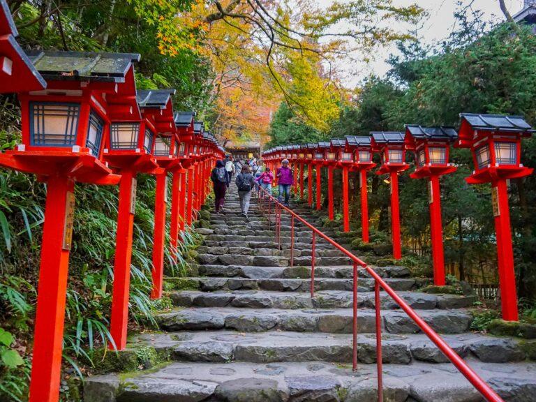 (灯篭石段が美しい水神)貴船神社 Kifune-jinja Shrine