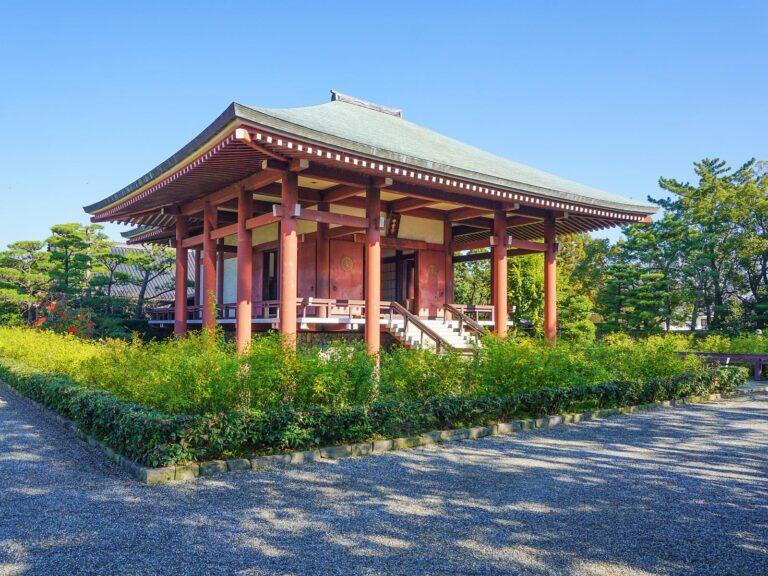 (聖徳太子ゆかりの尼寺)中宮寺 Chūgū-ji Temple