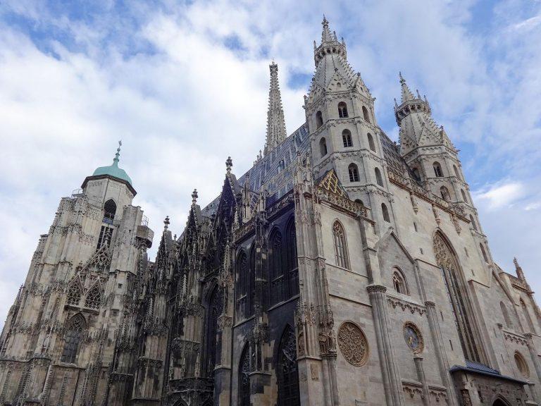 (ウィーンの街を見下ろす大聖堂)シュテファン大聖堂 The Stephansdom