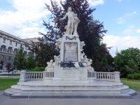 (ヴォルフガング・アマデウス・モーツァルト)モーツァルト記念碑 The Mozart Monument