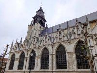 (古いゴシック様式の教会)ノートルダム・ド・ラ・シャペル教会 The Église Notre-Dame-de-la-Chapelle