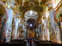 (壮麗なバロックの教会)聖ミクラーシュ教会(聖ニコラス教会) The Church of St. Nicholas