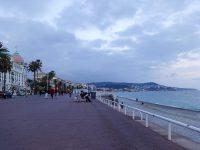 (地中海沿いの長い遊歩道)プロムナード・デ・ザングレ The Promenade des Anglais