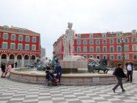 (旧市街と新市街の間の広場)マセナ広場 The Place Masséna