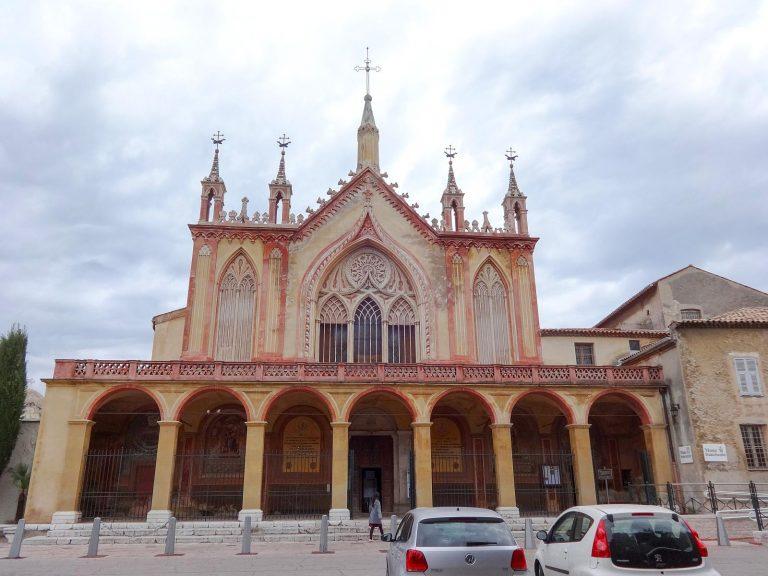 (高台の上に立つ)シミエのフランシスコ会修道院 The Franciscan Monastery of Cimiez