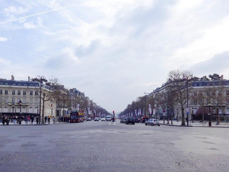 (世界で最も美しい通り)シャンゼリゼ通り The Avenue des Champs-Élysées