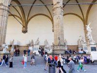 (フィレンツェの政治的中心地)シニョリーア広場 Piazza della Signoria