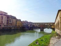 (アルノ川に架かる)ヴェッキオ橋 The Ponte Vecchio