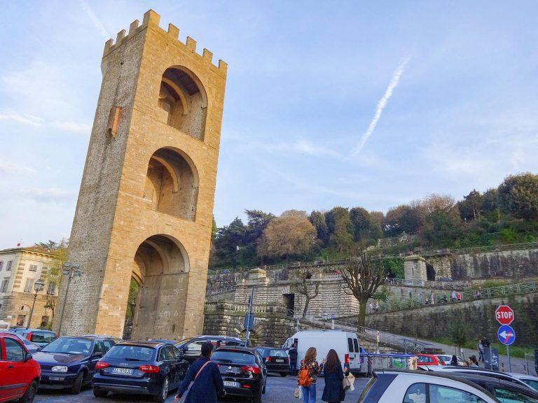 (フィレンツェ市壁の一部)サン・ニッコロ門 The Tower of San Niccolò