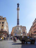 (スペイン広場の南東に立つ)聖母マリアの無原罪懐胎の記念柱 The Column of the Immaculate Conception