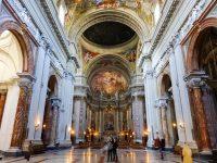 (美しいバロックの教会)カンプス・マルティウスの聖イグナチオ・デ・ロヨラ教会 The Church of St. Ignatius of Loyola at Campus Martius