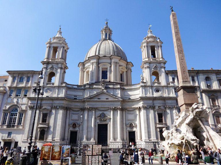 (美しいバロックの広場)ナヴォーナ広場 Piazza Navona