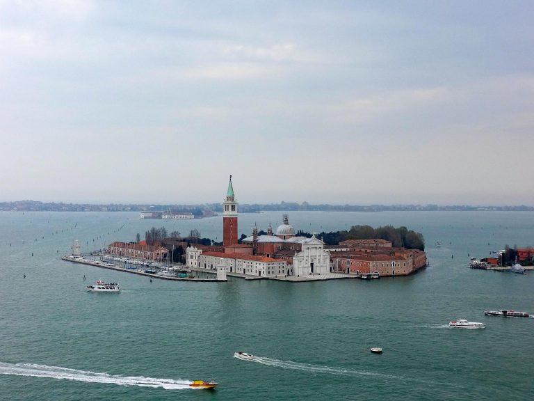 (同名の島に立つ)サン・ジョルジョ・マッジョーレ聖堂San Giorgio Maggiore