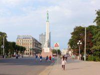 (ラトビアの自由と独立の象徴)自由記念碑 The Freedom Monument