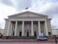 (ヴィリニュスの商売や催しの伝統的な中心地)ヴィリニュス市庁舎 The Vilnius Town Hall