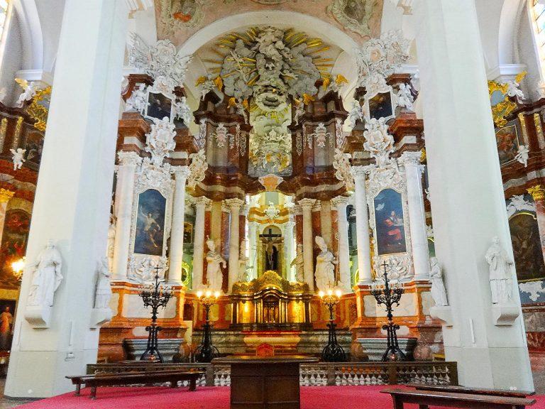 (祭壇群がまばゆい)聖ヨハネ(ヨノ)教会 The Church of St. Johns, St. John the Baptist and St. John the Apostle and Evangelist