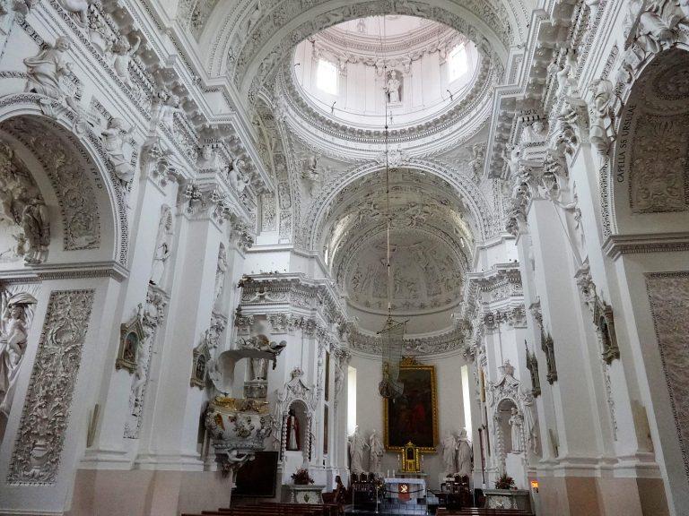 (バロック芸術が織りなす純白の世界)聖ペトロおよび聖パウロ教会 St. Peter and St. Paul's Church