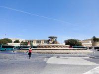 (バレッタ旧市街の入口)トリトンの噴水 The Triton Fountain