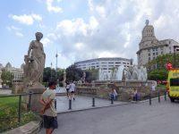 (旧市街と新市街が合流する場所)カタルーニャ広場 Plaça de Catalunya