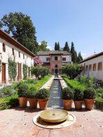 (最古の現存するムーア人の庭園の一つ)ヘネラリフェ The Generalife