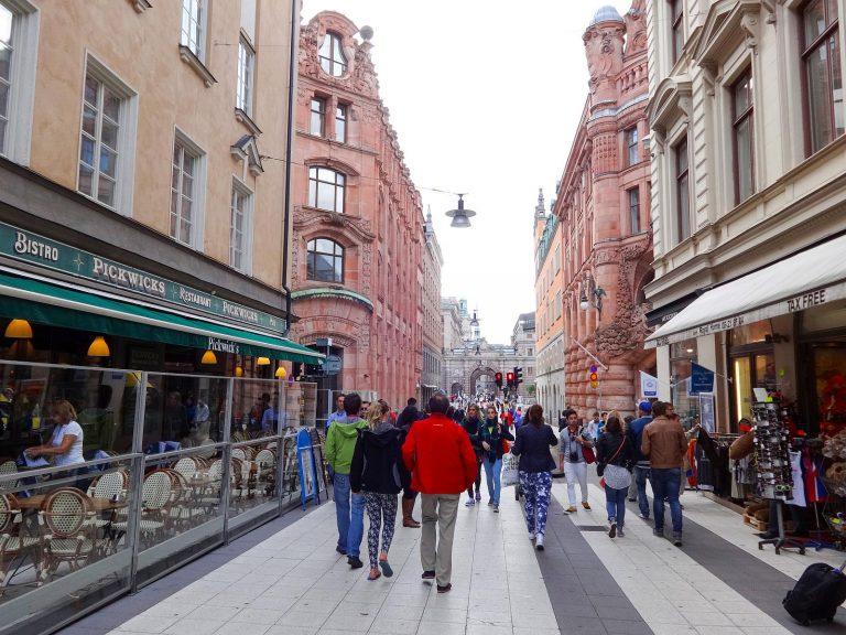 (繁華街)ドロットニングガータン Drottninggatan