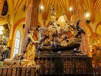 (聖ジョージとドラゴンの木像で有名)ストックホルム大聖堂 Stockholm Cathedral