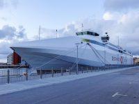 (ストックホルムからはニネスハムン経由フェリーで)ヴィスビュー港 Visby Port