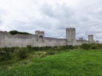 (輪壁と呼ばれる)ヴィスビュー市壁 Visby City Walls