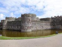 (八角形の要塞)ボーマリス城 Beaumaris Castle