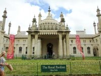 (ジョージ王朝時代のインド・サラセン様式の宮殿)ロイヤル・パビリオン The Royal Pavilion