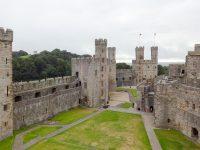 (プリンス・オブ・ウェールズの発祥の地)カーナーヴォン城 Caernarfon Castle