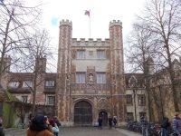 (ニュートンはじめ偉大な物理学者達を輩出)トリニティ・カレッジ Trinity College