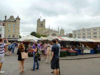 (サクソン時代から続く市場)マーケット広場 The Market Square