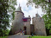 (赤い城)キャステルコッホ Castell Coch