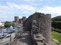 (よく保存された中世の市壁)コンウィ市壁 Conwy Town Walls