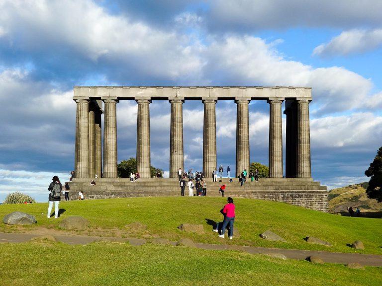 (北のアテネ)ナショナルモニュメント The National Monument of Scotland