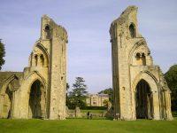 (アーサー王の墓がある)グラストンベリー大修道院 Glastonbury Abbey
