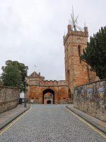 (リンリスゴー宮殿の隣に立つ)聖ミカエル教区教会 St. Michael's Parish Church