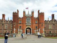 (ヘンリー8世とウィリアム3世の宮殿)ハンプトン・コート宮殿 Hampton Court Palace