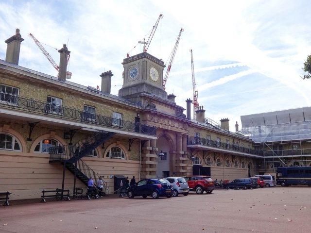 he Royal Mews