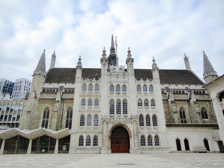 (シティ・オブ・ロンドンの中心)ギルドホール Guildhall