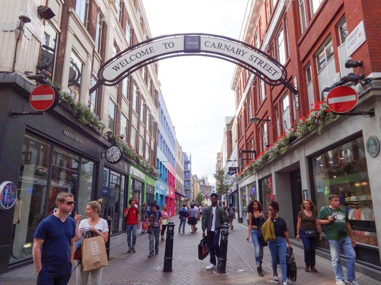 (ファッション街)カーナビー・ストリート Carnaby Street