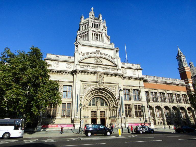 (世界最大の装飾美術博物館)ヴィクトリア・アンド・アルバート博物館 The Victoria and Albert Museum