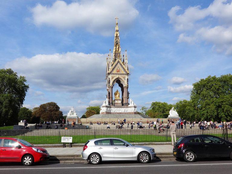 (黄金の)アルバート記念碑 The Albert Memorial