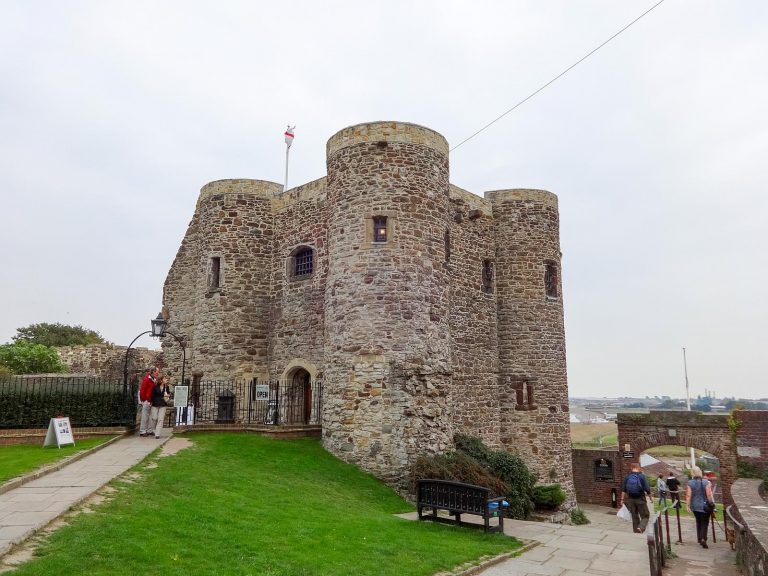 (フランス人の襲撃に備えた)ライ城 Rye Castle