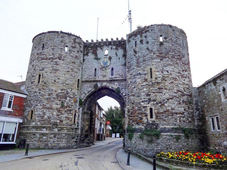 (ライの中世の市門で唯一現存する門)ランドゲート The Landgate
