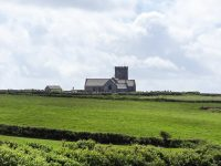 (崖の上に立つ小さな教会)聖マテリアナ教会 The Parish Church of St. Materiana at Tintagel