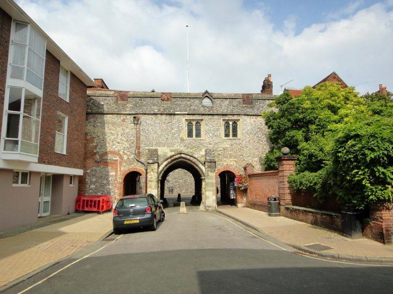 (中世ウィンチェスターの市門の一つ)キングス・ゲート Kingsgate