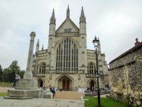 (ヨーロッパで最も大きな大聖堂の一つ)ウィンチェスター大聖堂 Winchester Cathedral