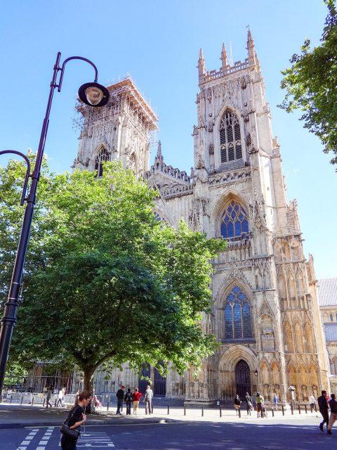 イングランド国教会第2位の高教会)ヨーク・ミンスター York Minster ...